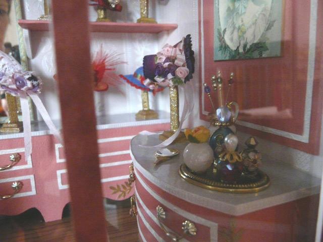 vitrine style d tails l 39 atelier de jancydol. Black Bedroom Furniture Sets. Home Design Ideas